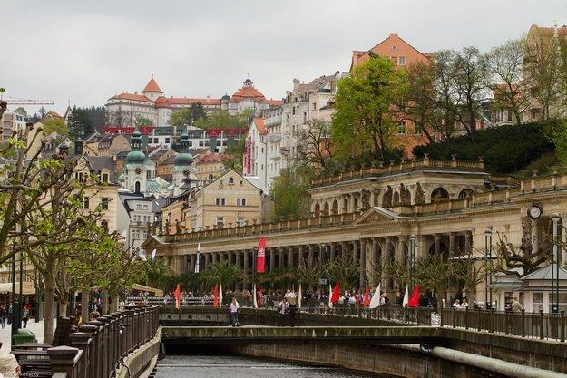 ทัวร์เยอรมนี ออสเตรีย ชมพระราชวังเชินบรุนน์ สาธารณรัฐเช็ก คาโรวี่ วารี่ 8วัน 6คืน บิน Oman Air