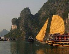 ทัวร์เวียดนาม ฮานอย ล่องเรือชมอ่าวฮาลอง ชมโชว์หุ่นกระบอกน้ำ 3วัน 2คืน บิน Qatar Airways