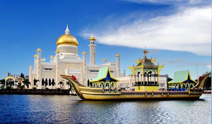 ทัวร์บรูไน บาหลี มัสยิดโอมาร์อาลีไซฟัดดิน เขาเบดูกัล ทะเลสาบบราตัน 5วัน4คืน บิน Royal Brunei