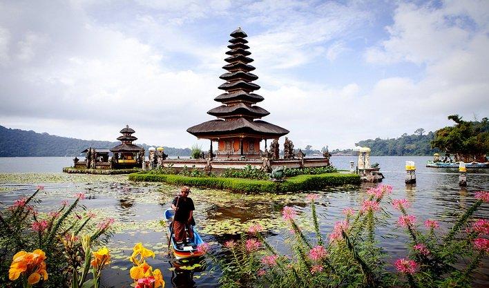 ทัวร์อินโดนีเซีย วัดพราหมนันต์ หาดจิมบาลัน วังสุลต่าน ภูเขาไฟบาตูร์ 5วัน 4คืนบินGaruda Indonesia